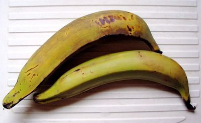http://culinotests.fr/images/bananes%20plantain_t.jpg