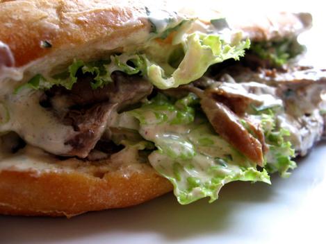 kebab agneau et sauce blanche