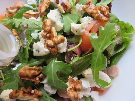 salade mesclun chèvre huile de noix