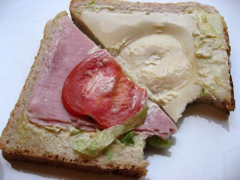 sandwich industriel jambon emmental crudités